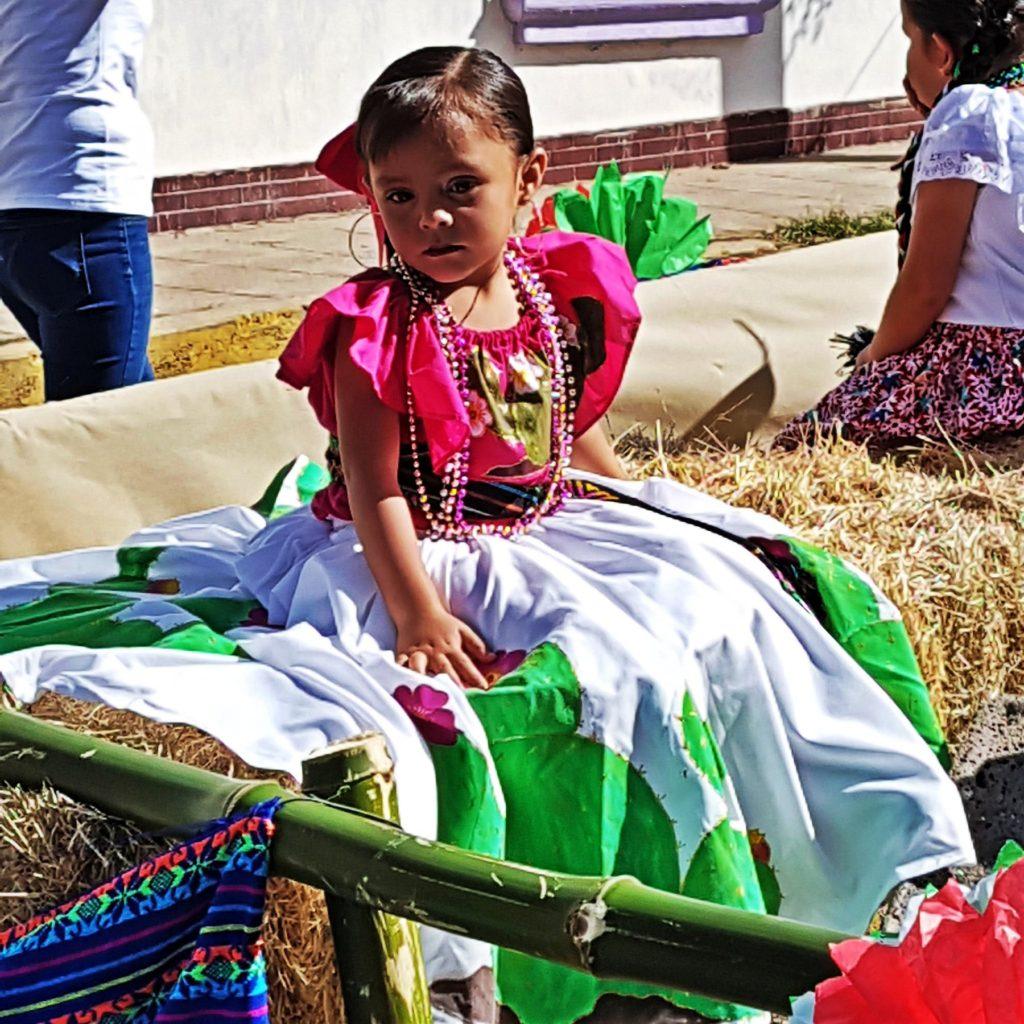 Mexikó kislány népviselet