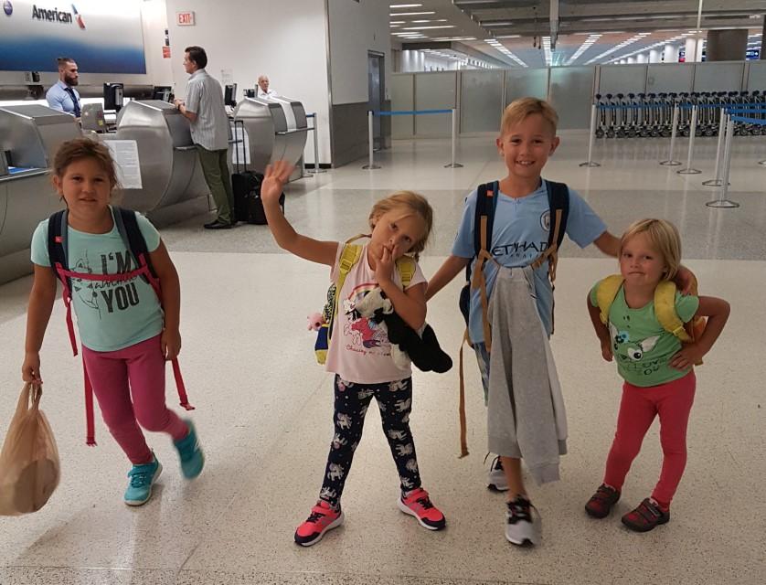 Utazás gyerekkel repülőn avagy túlélni a repülőutat gyerekekkel