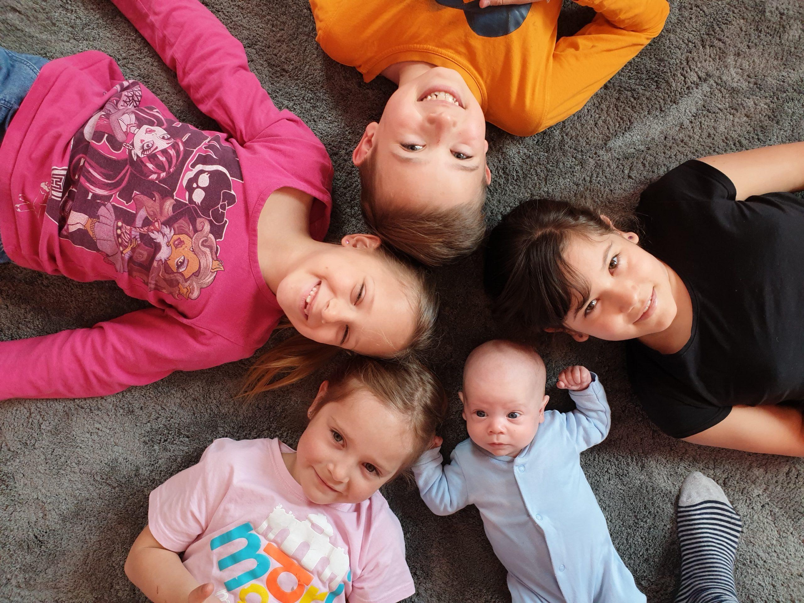 Karantén tanulás 5 gyerekkel